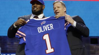 Ed Oliver's 2019 NFL Defensive Rookie of the Year Odds Fading